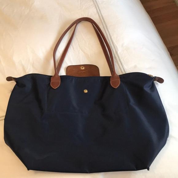 Longchamp Handbags - Large navy blue longchamp Le Pliage shoulder bag 82b0f4fe1e